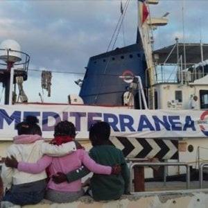 """Migranti, 100 artisti si mobilitano per la missione """"Mediterranea"""""""
