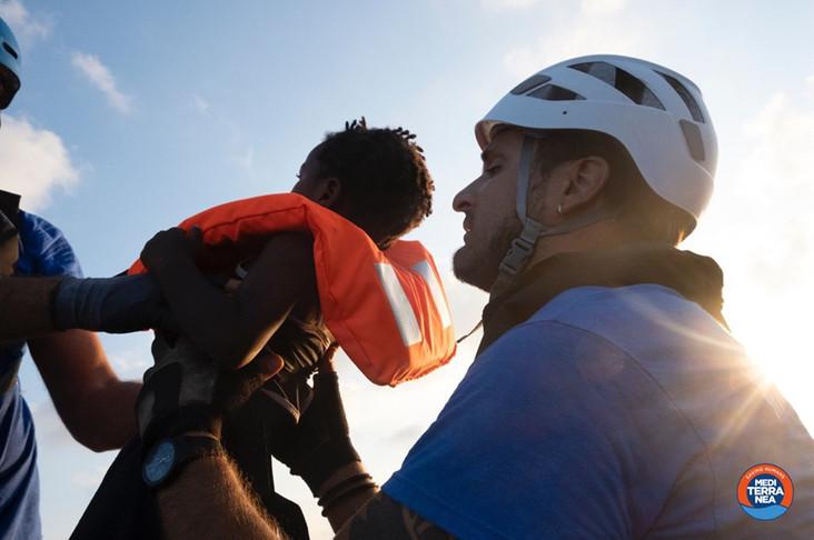"""Stefano, infermiere sulla Mare Jonio, la """"nave dei bambini"""": """"A bordo storie di violenze e torture s"""