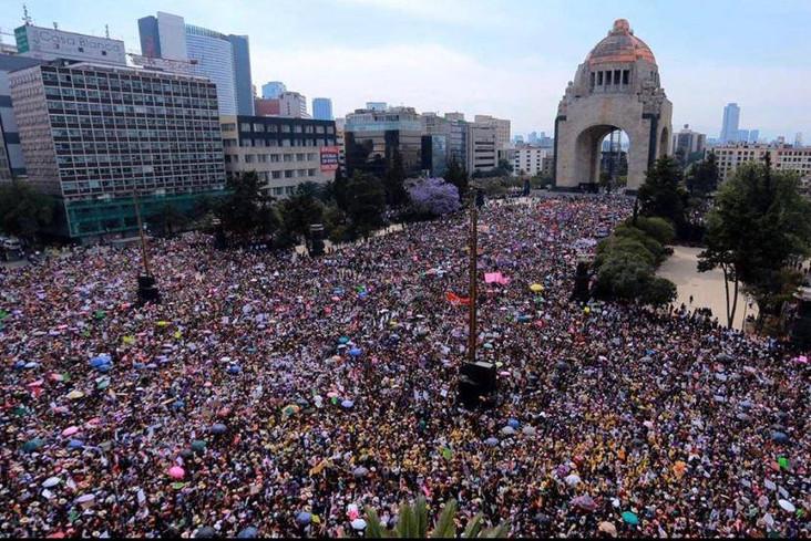 #UNDÍASINNOSOTRAS: 8 e 9 marzo femminista in Messico