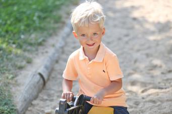 Kindergartenfotografie beim Spielen