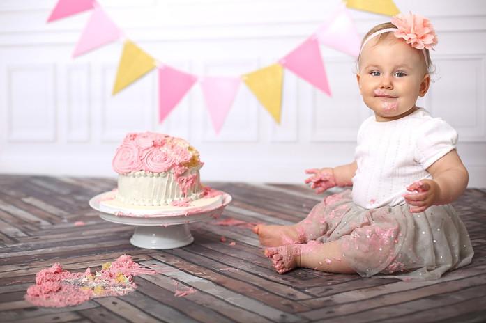 Cake smash Girl