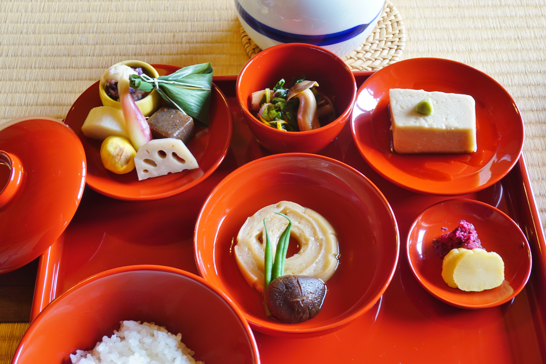 Repas bouddhiste végétarien