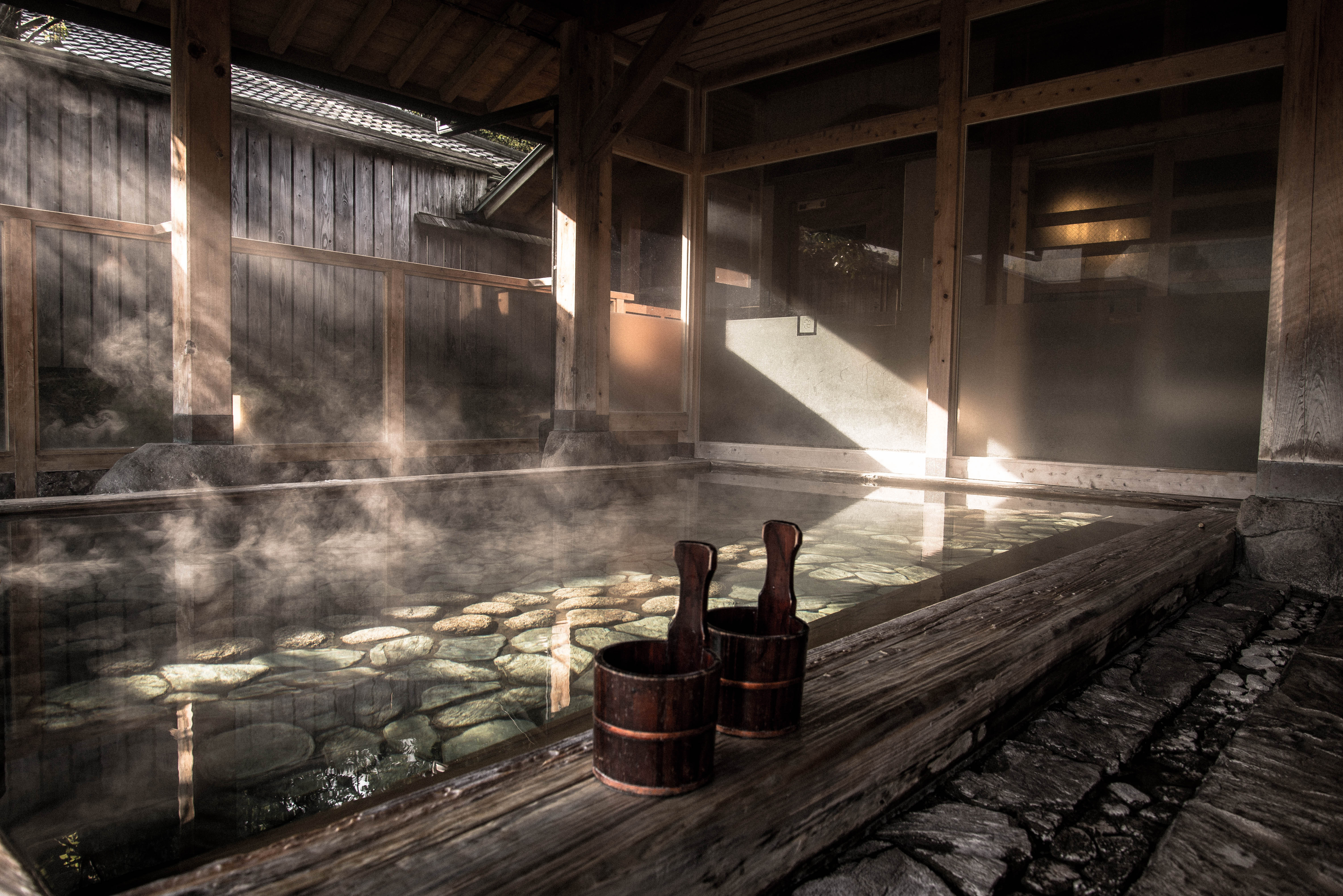 Accès aux bains thermaux (onsen)