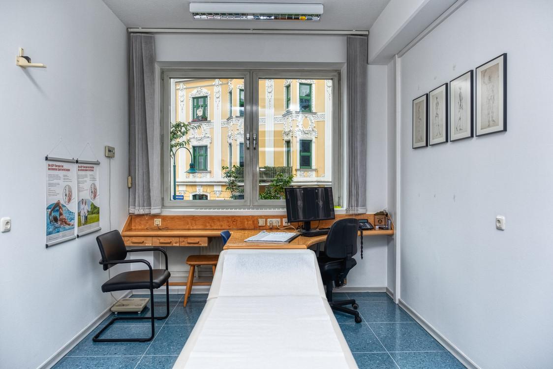 Untersuchungs- & Behandlungsraum