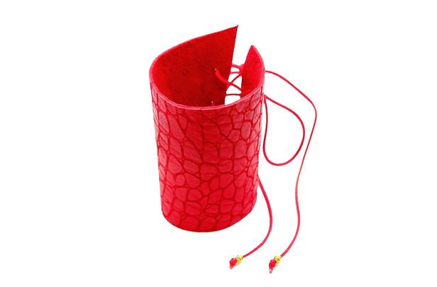 Kırmızı bileklik bağcıklı2.jpg