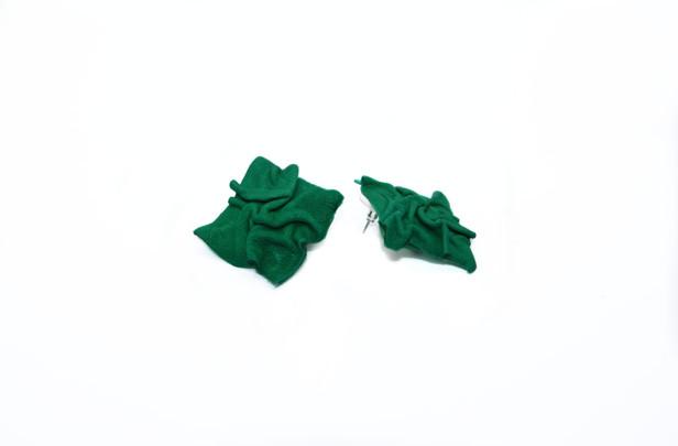 Yeşil plise küpe.jpg
