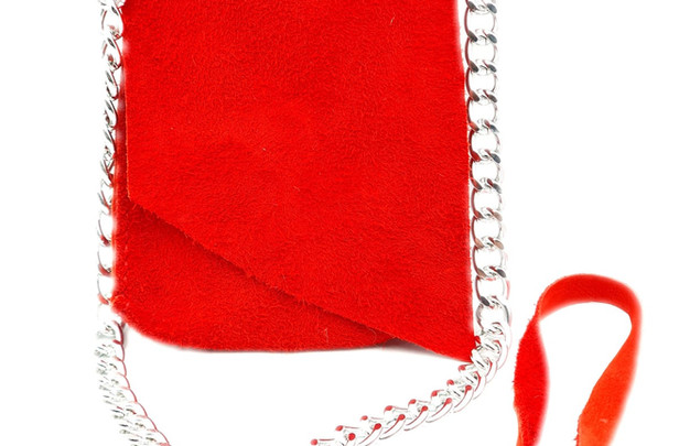 Kırmızı minik çanta.jpg