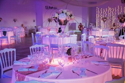 - Décoration salle de mariage & jeu de lumières-