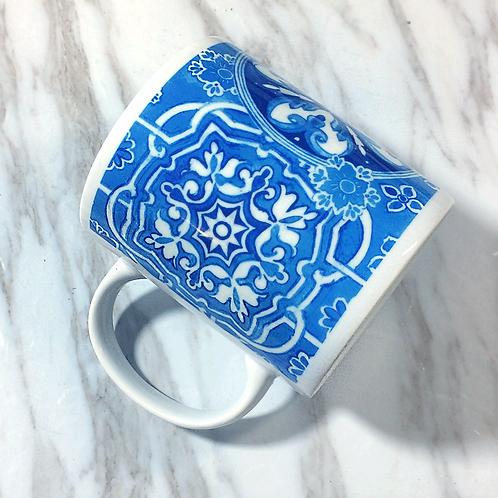 Hand-draw watercolour pattern mug