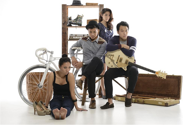 The Sam Willows.png