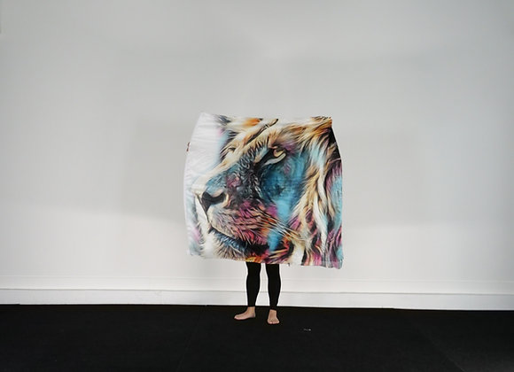 Large Size // Victorious Lion // Silk Flags (Set of 2)