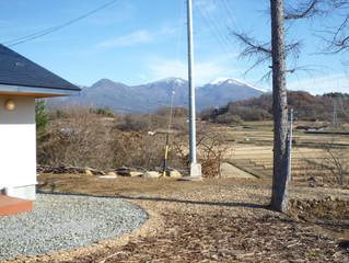 浅間山も白く薄化粧