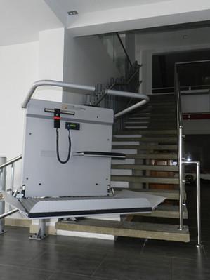 Plataforma Salvaescaleras SAT-HL320 4.jp