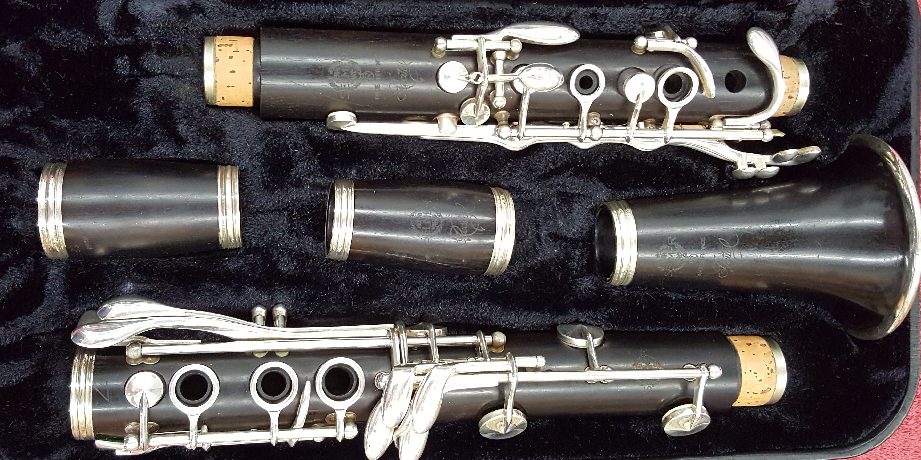 Selmer Recital Bb Clarinet with 2 Ba