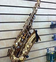Selmer Mark VI alto sax.png