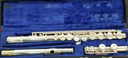 Gemeinhardt 2SP closed hole flute