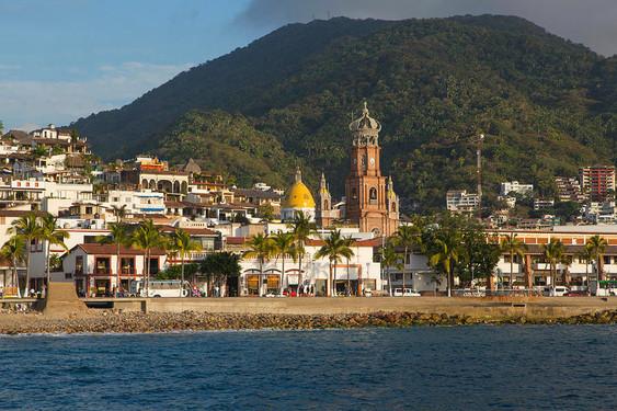 3-puerto-vallarta-jalisco-mexico-douglas