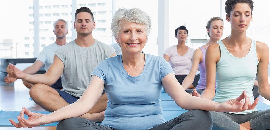 Yoga-Klasse für Jung und Alt