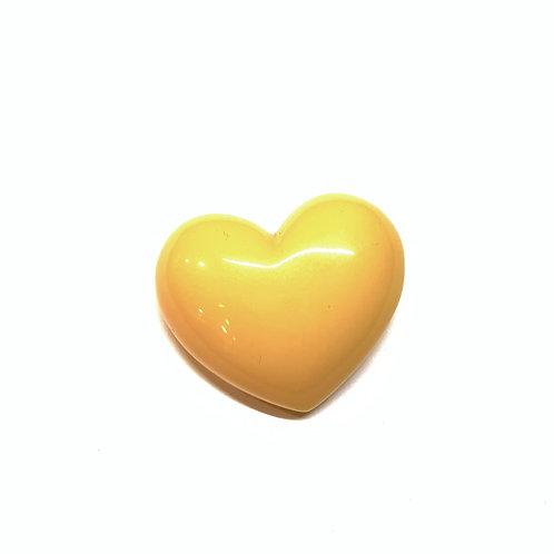Broche coeur jaune