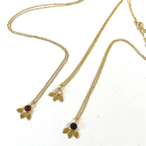 Collier 838