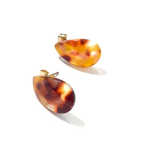 Clous résine ambrés