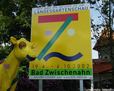 LaGa-Kuh Kopf mit Schild.jpg
