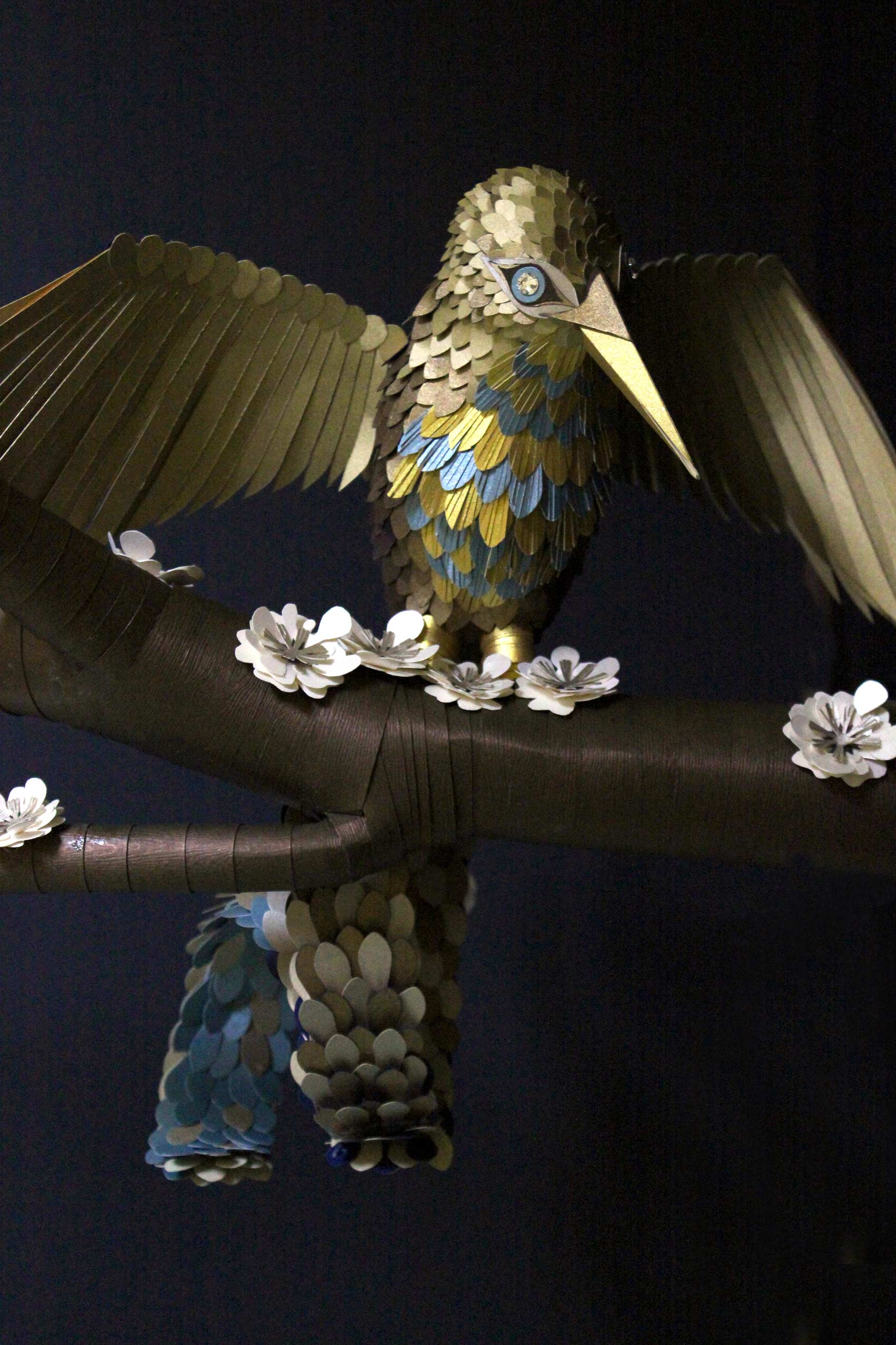 Papierkunst, paper art Vogel. Papier