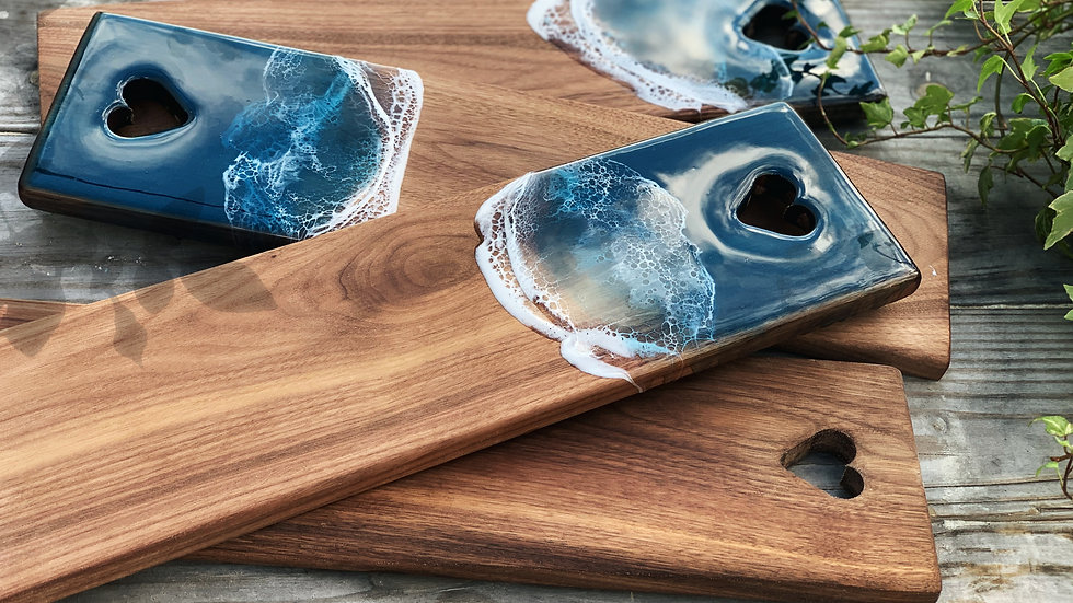 Walnut ILY Serving Board