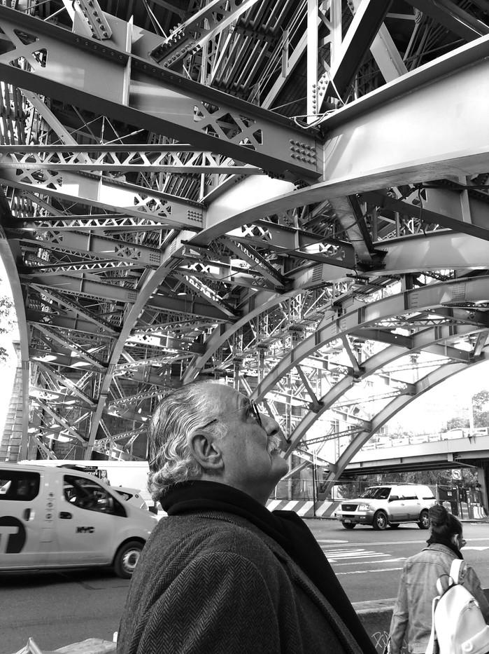 B N Bajo el Puente de Blooklyn.jpg