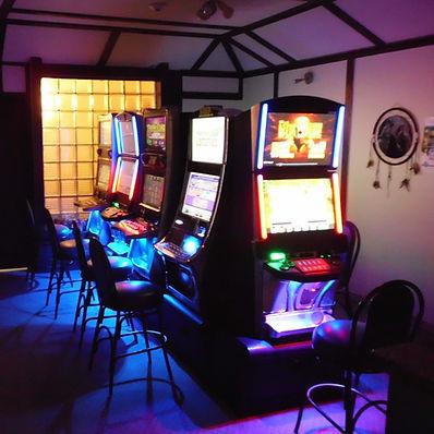 Lundar Hotel Bar