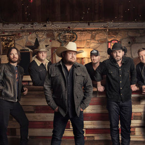 Interview: Randy Rogers Band Shares New Music, Celebrity Chef Crush, and NBA Finals Pick