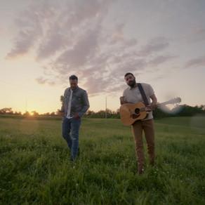 "JORDAN DAVIS PREMIERES POIGNANT MUSIC VIDEO OF HIS NEW SINGLE ""BUY DIRT"" FEATURING LUKE BRYAN"
