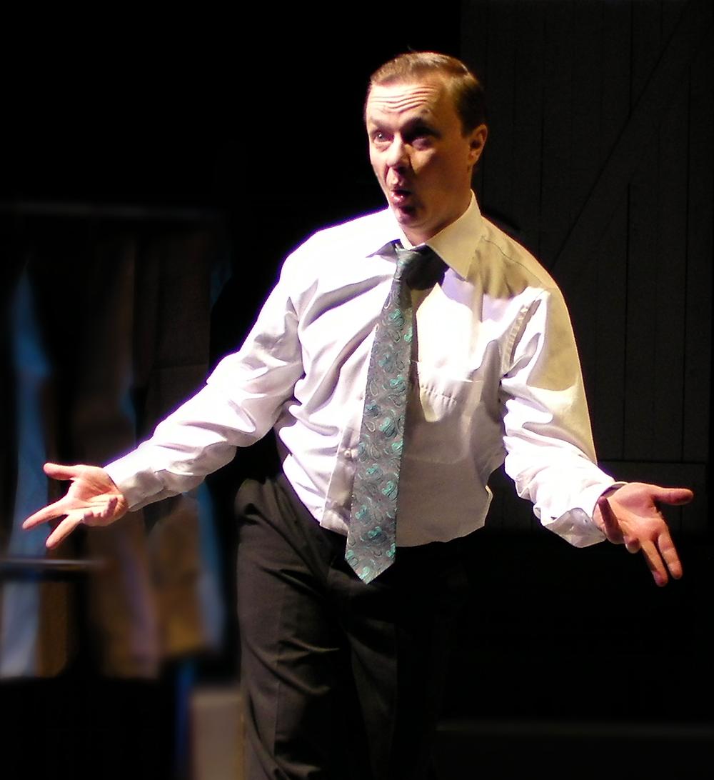 Mika Nuojua esiintyy Keski-Uudenmaan teatterissa kahdesti loka-marraskuun vaihteessa.