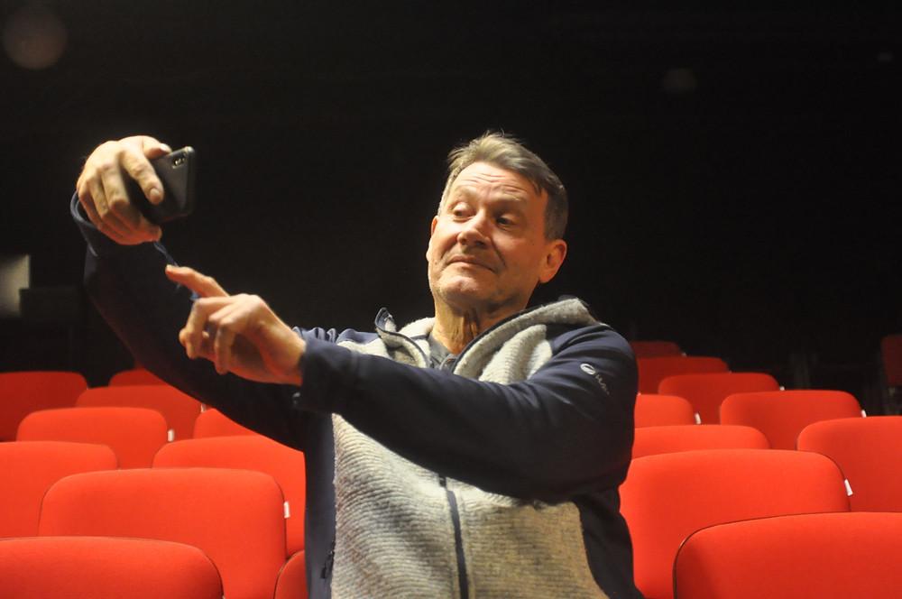 Heikki Lund toivoo, ettei sometus rantautuisi teattereiden katsomoihin.