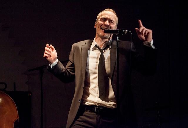 Timo Tuominen nähdään Encore Brel -esityksessä Keravalla.
