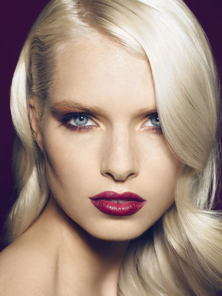 Stay all day, party all night! Long-lasting makeup tips