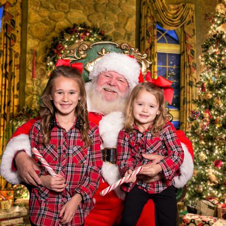 Grand Hyatt DFW: Santa Portraits