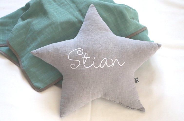 """Sternkissen """"Stella"""" mit Namen Hellgrau"""