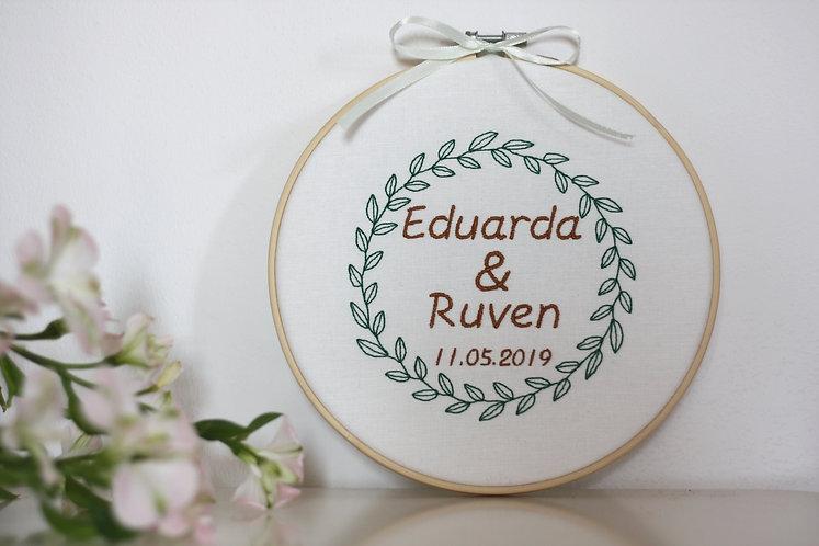 """Ringkissen/Stickrahmen/Stickbild """"Eleonora"""" mit Wunschtext"""