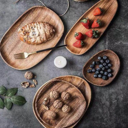Assiettes de service en bois d'acacia