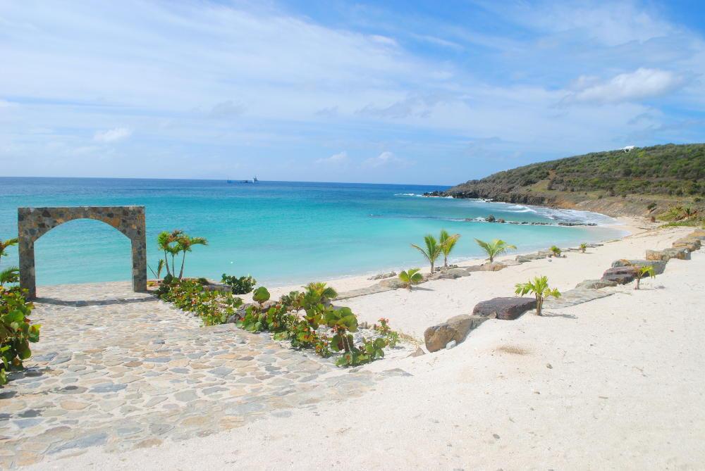 Indigo Bay beach