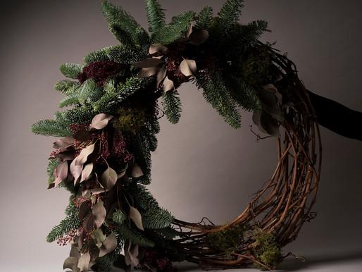 Estas coroas de Natal vão deixar a sua casa (ainda) mais festiva