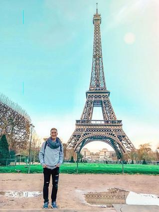 Lauv made Paris in the rain sound so rom