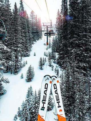 Rise and glide. ☀️🎿 ._•_•_•_#skiingseas