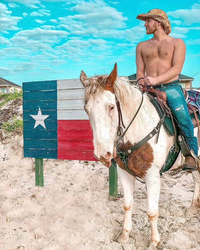 Me_ Dash you're in Texas, smile!_Dash_ J