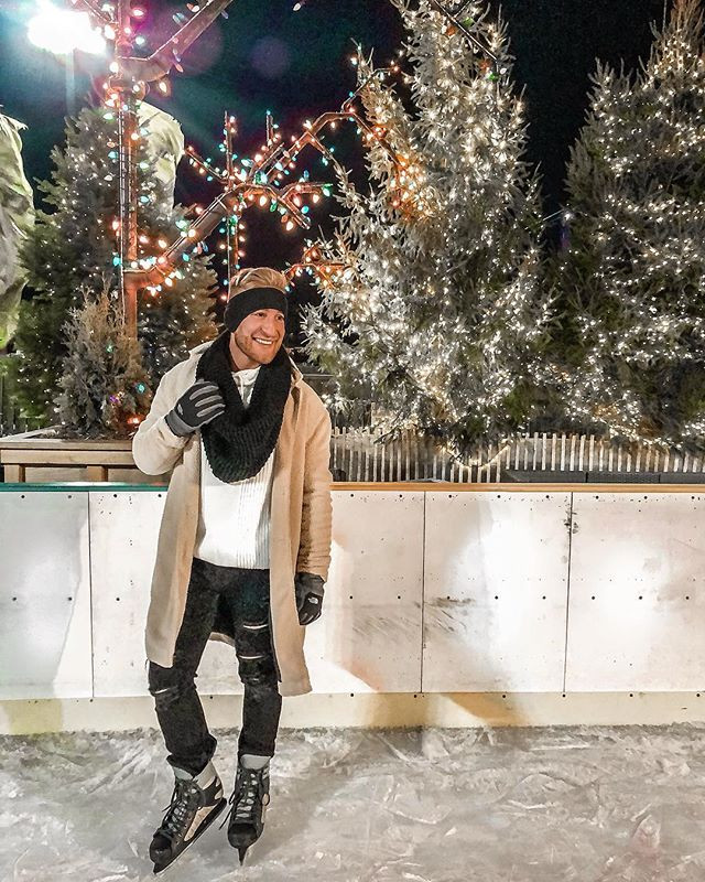Who else loves to go ice skating_! ⛸....