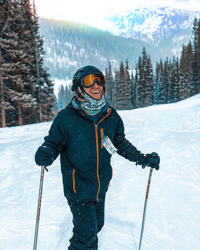 Adjust your altitude. 🏔._•_•_•_#skiings