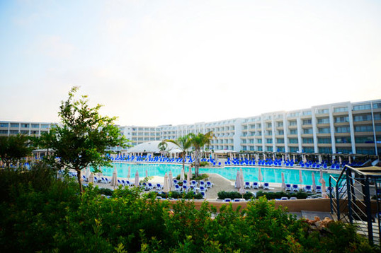 elevated-view-pool-2jpg