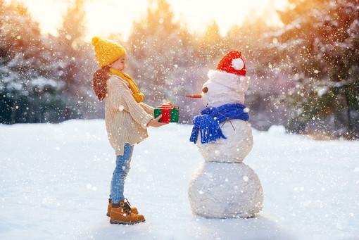 winter_little_girls_snow_470012jpg