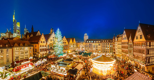 traditional-christmas-marketjpg